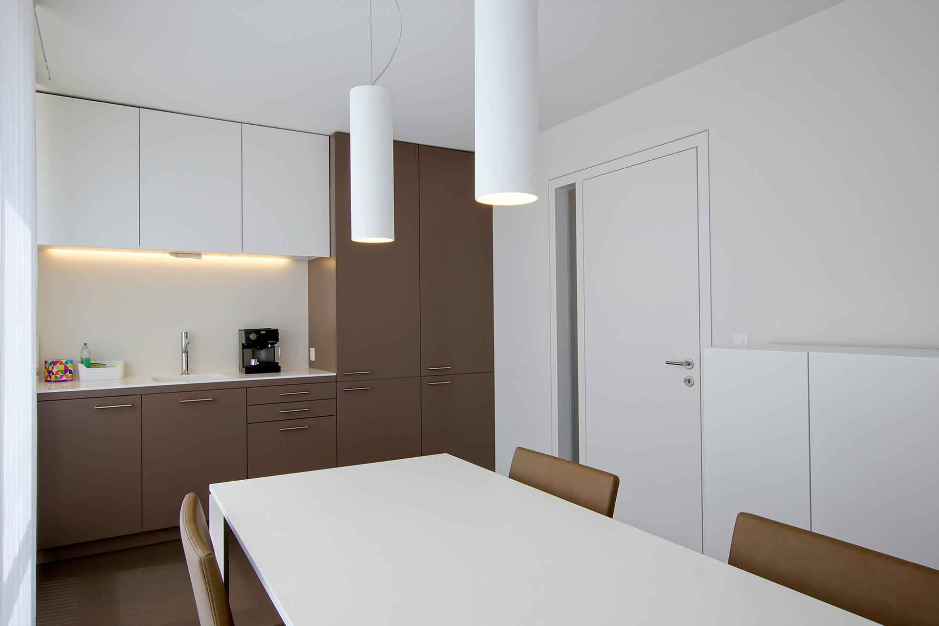 Pfister Klingenfuss Architekten, Hautartzpraxis, Rorschach, Küche