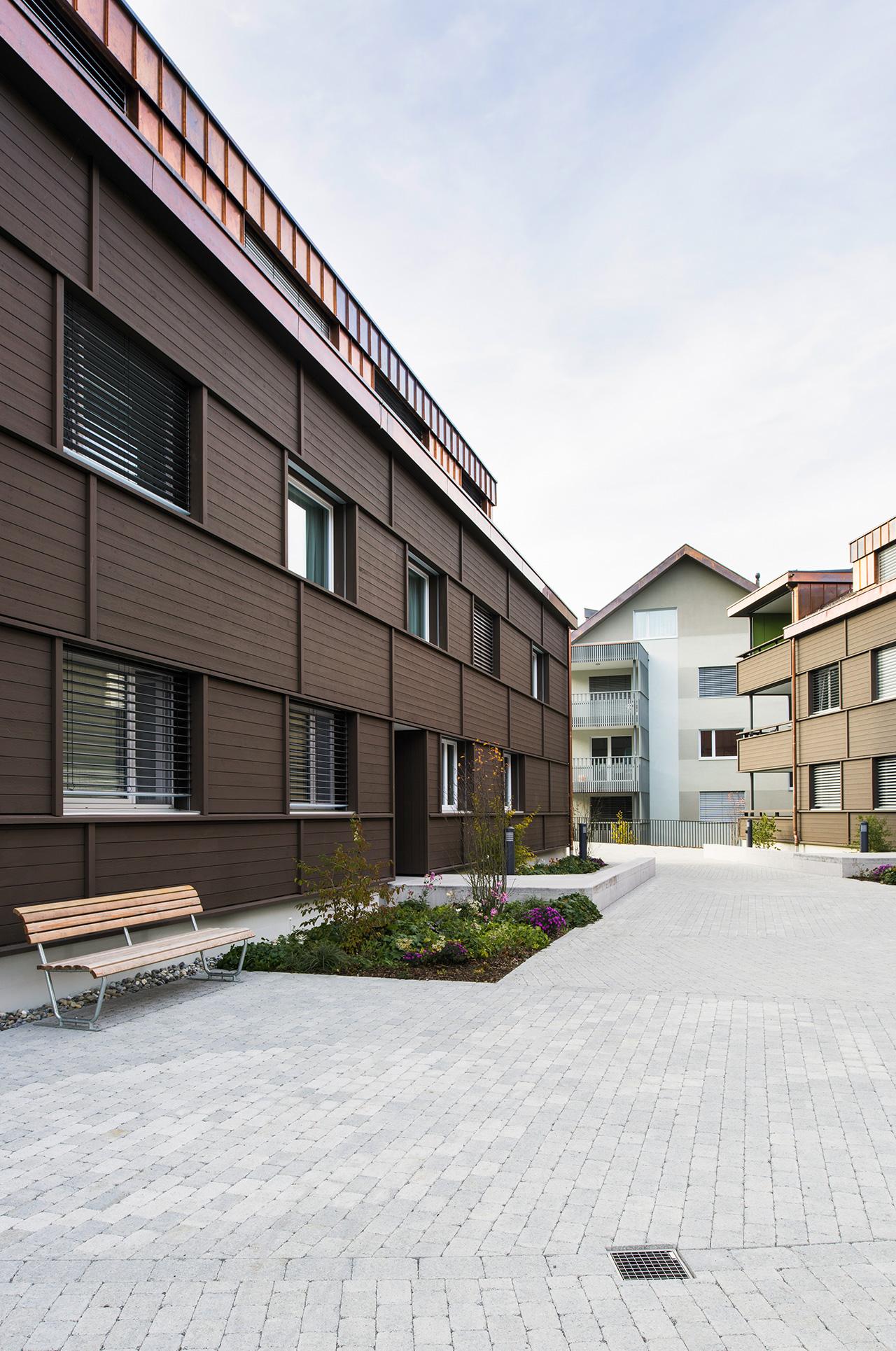 Pfister Klingenfuss Architekten, Wohnhäuser Hintere Wühre, Appenzell, Hof und Aussenansichten